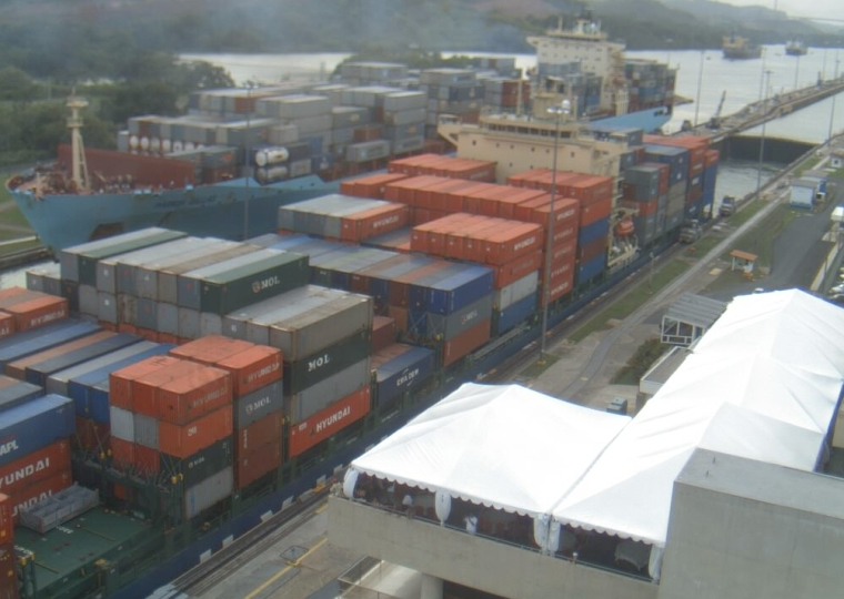 containers through Panama